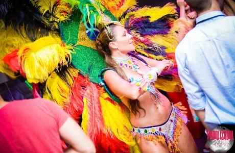 רקדניות ברזילאיות לנשף סיום
